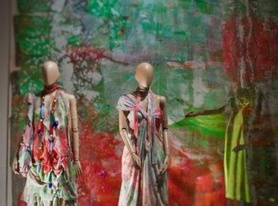 La stilista giapponese Hiroko Koshino sceglie le collane di Antares Venezia per la sua collezione Primavera/Estate 2011